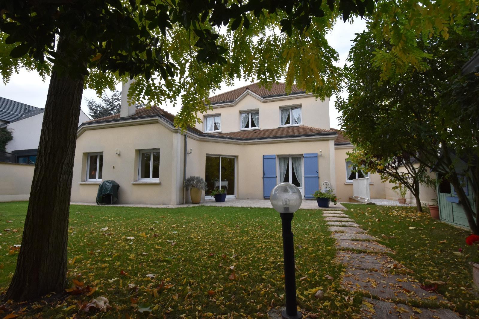 Vente maison rueil malmaison 92500 7 pi ces sur le partenaire for Maison de l europe rueil